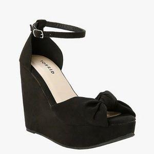 Torrid💕 Black Front Knot Wedge Sandals
